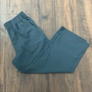 Lululemon- Size 6. Cropped wide leg pants.